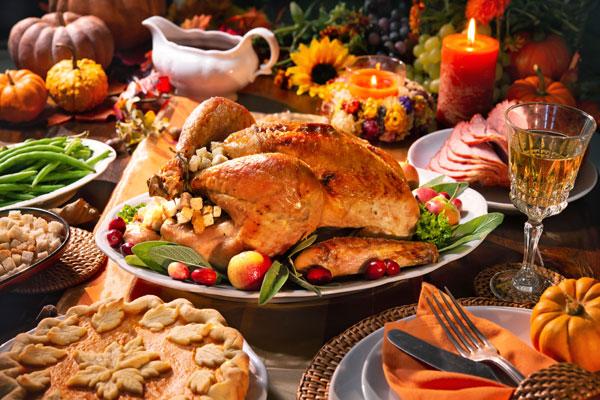 turkey dinner with pie, green beans, gravy and ham