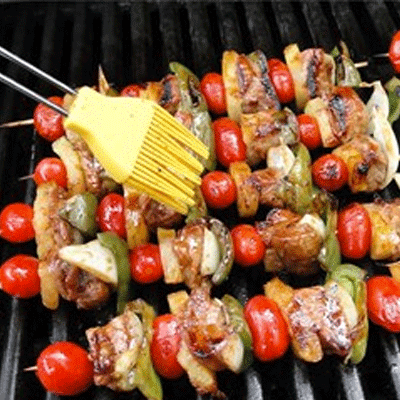 cookout catering chicken kabobs with cherry tomato and bell peppers